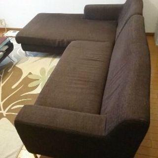 大きめサイズのソファー売ります。