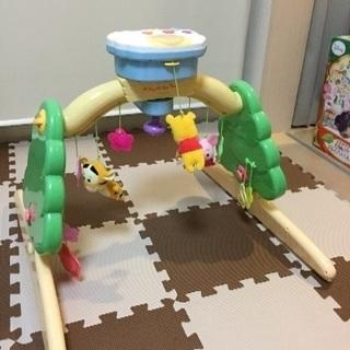 【おもちゃ】【くまのプーさん 6WAYジムにへんしんメリー】