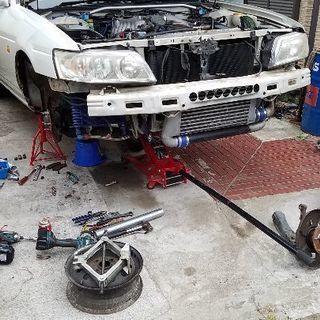 車の修理、改造、部品取り付けカスタムなど