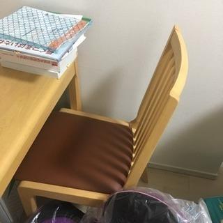 ダイニングの椅子 二脚セット