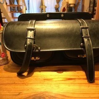 デグナーのサドルバッグ(アメリカンマフラー側対応)