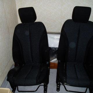 デミオ(DE型・スポルト) 純正シート(運転席・助手席)