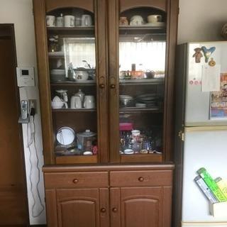 食器棚、差し上げます。