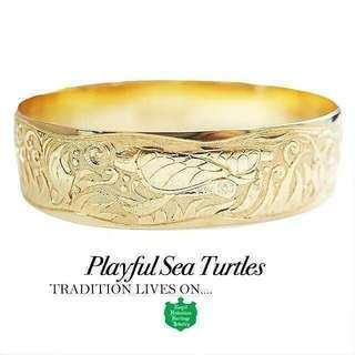 Playful Sea Turtles  ロイヤル ハワイアン ヘ...