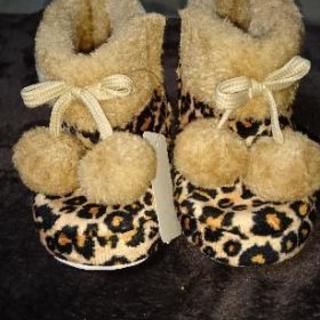 ヒョウ柄のブーツ  12cm