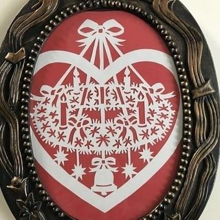 北欧ハンドメイド切り絵の飾り(赤クリスマスリース)