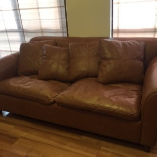茶色がキレイな2人、3人掛けソファー