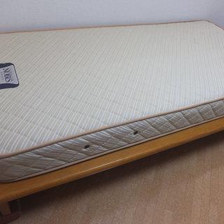 日本ベッド NOBLS シングルベッド用マットレスと木製の台