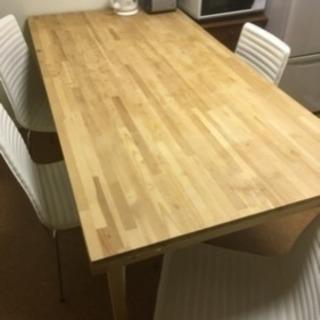 使える大きめテーブル無理