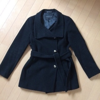 ラ シャンブル ド インエ   黒のコート