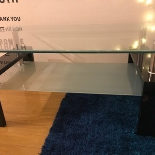 交渉中  ガラスのテーブル