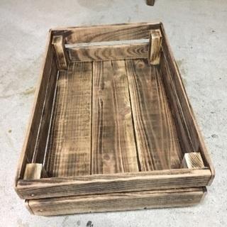 積み重ねられる【木箱】