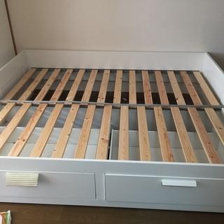 IKEA ダブルにもシングルにもなるベッド(収納付き)