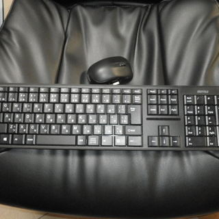 ibuffaloのワイヤレスキーボードとマウスあげます