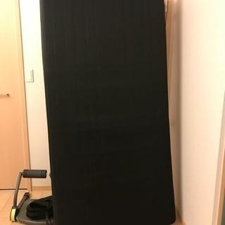 黒い シングル ベッド、