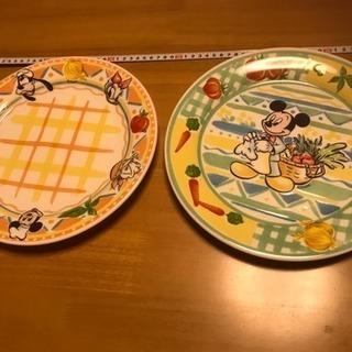 ミッキーの大皿の未使用品になります