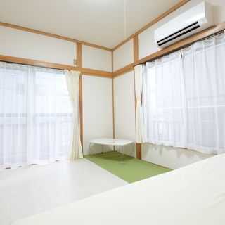 バイク&自転車ガレージ付きハウス全部屋29800円!個室広々6畳以...