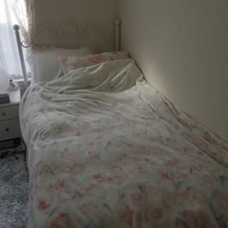 ベッドフレーム シングル ホワイト