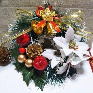 白いポインセチアのクリスマスリース