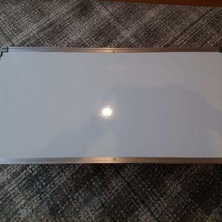 両面のホワイトボード(縦45㎝、横90㎝)