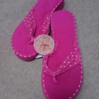 新品ピンクのサンダル?