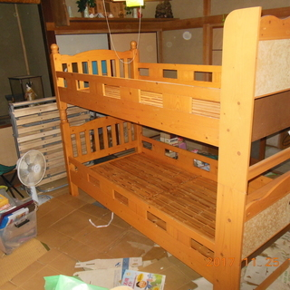 木製、木目大人用二段ベッド