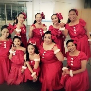 フラダンスをクリスマスソングで踊る体験会