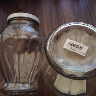 ガラス保存瓶2個(1つは未使用)