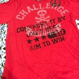 メンズ赤のTシャツ