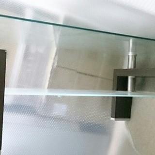洒落た木目調ガラステーブル