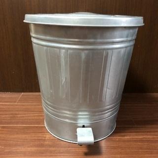【お譲りします】ペダル式ゴミ箱