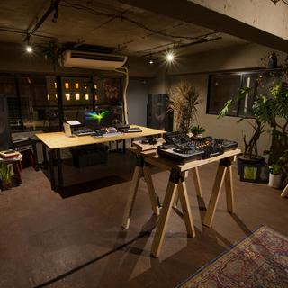 ・【世界的アーティスト】からDJ作曲を習える大阪心斎橋のアメ村にあ...