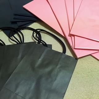 値下げ! カラーバッグ(ピンク、紺、黒) 手提袋 紙袋 ペーパーバッグ B4サイズ対応大型 文庫本サイズ対応小型 - 生活雑貨