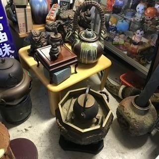 倉庫や蔵に眠る古いモノ、使い古した食器 使わないギフト 進物