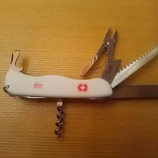 ライカ ロゴ入り スイスアーミーナイフ