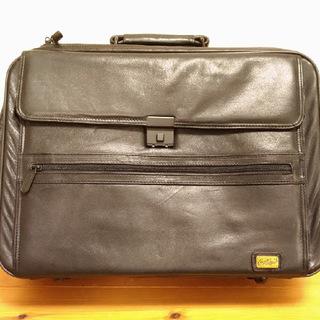 クロコダイルスーツケース