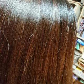 ハーブカラートリートメントで傷んだ髪を改善!