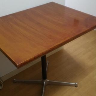 中古テーブル差し上げます。