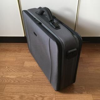 軽量 ビジネスバック 大容量 書類かばん / 商談 出張 旅行 多目的利用鞄 / グレー ショルダーベルト欠品 / 中古品 − 北海道