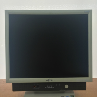 中古一体型パソコン (型番:FMV-K5240,商品ID:70)