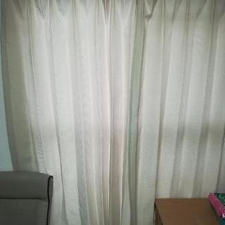ニトリベージュカーテン2枚組