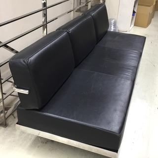 【売ります】オフィス向けレザーソファ<カリモク家具(推定)>