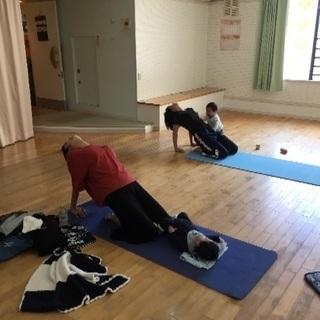 産後ヨガ ママヨガ 子連れヨガ Yoga Hygge