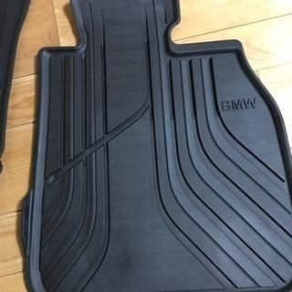 BMW F30 F31用 純正防水フロアマット右用