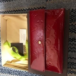 クリスマスカラー☆赤が可愛いヴェルニ財布