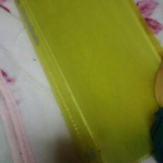 黄色花柄クリアファイル