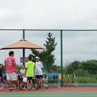 幼稚園児、小学生から大学生まで ジュニアテニスレッスン