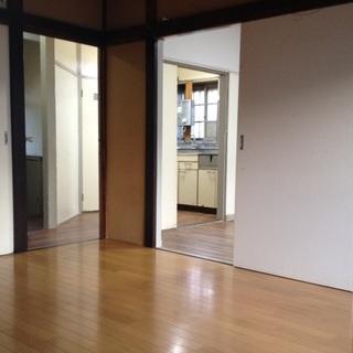 『世田谷』8万円の一戸建て!古いですが4部屋庭付きです!