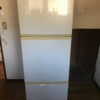 冷蔵庫、差し上げます。