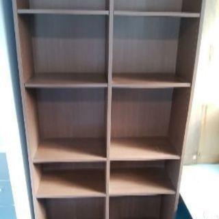 本棚、茶色
